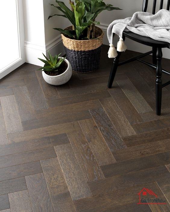 gạch gỗ lát sàn theo kiểu xương cá