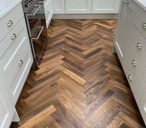 gạch giả gỗ lát nền nhà bếp
