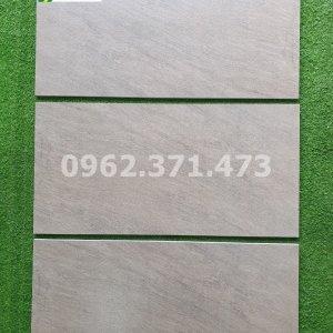 Gạch sàn chống trơn 30x60 kis HHA3603B