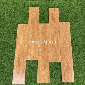 Gạch 15x80 vân gỗ vàng cao cấp