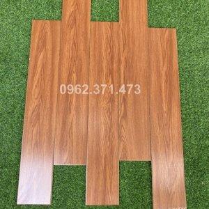 Gạch giả vân gỗ 15x90 lát sàn phòng khách